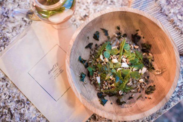 Trial-crop rye and spelt porridge with white truffle and honey tea