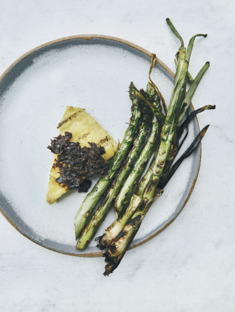 Polenta, asparagus, spring onions, tapenade